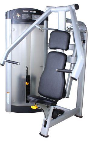 健身房器材 - 坐姿胸推機